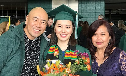 Alyssa and her parents, Vincent and Cynthia Cheong Choo, at the commencement ceremony.